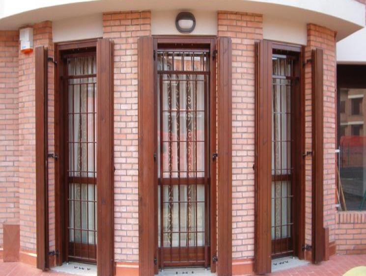 Home infissi di sicurezza cancelli di sicurezza - Porte finestre bologna ...