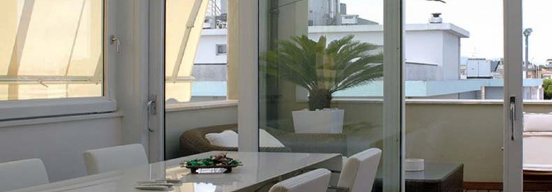 Infissi bologna finestre porte serramenti bologna for Infissi finestre