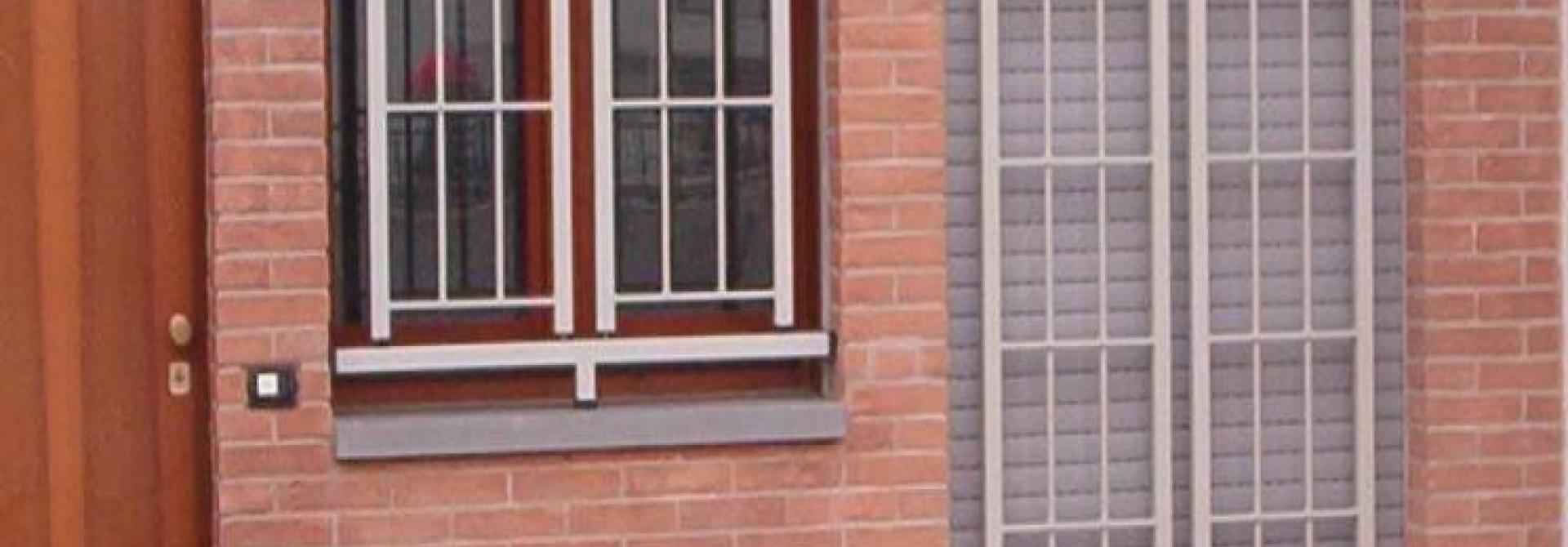 Cancelli di sicurezza bologna installazione di cancelli - Porte finestre bologna ...