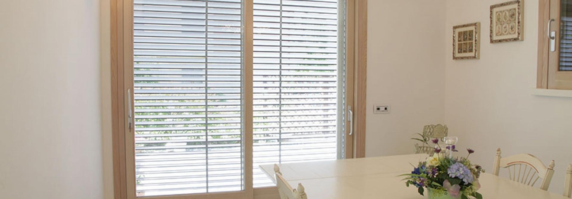 Finestre bologna finestre in legno pvc alliminio legno - Finestre pvc su misura prezzi ...